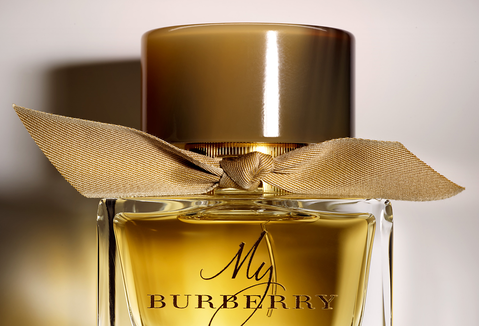 FRAGRANCE_DEW_64492_BURBERRY_b_bottle