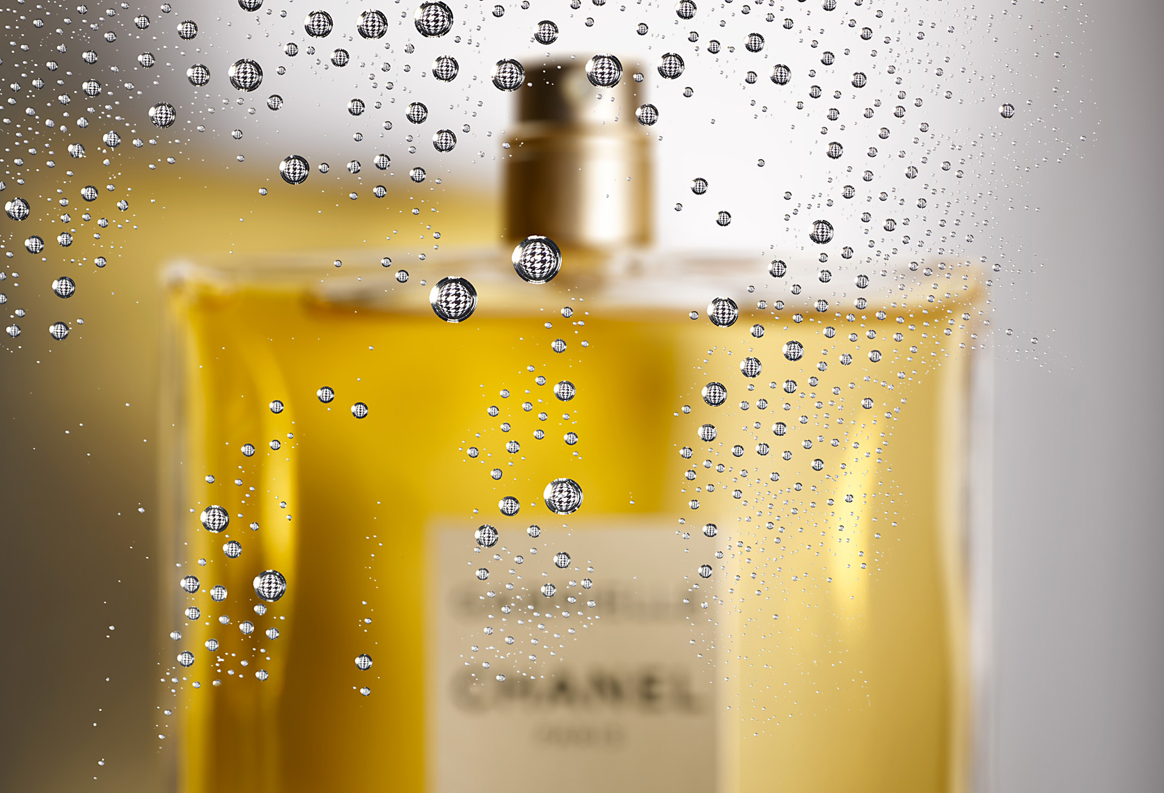 FRAGRANCE_DEW_64492_CHANEL_c_spray