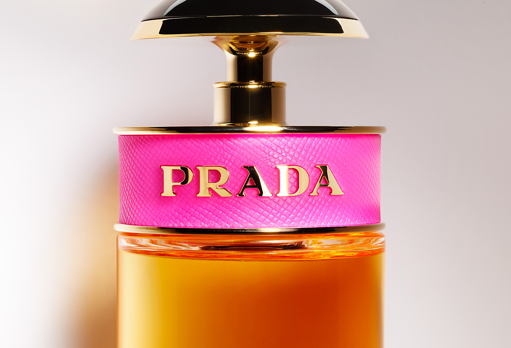 FRAGRANCE_DEW_64492_PRADA_c_bottle